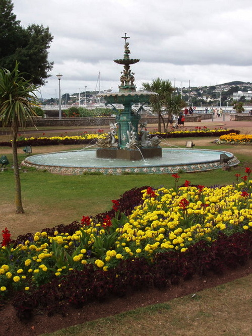 Fountain in Torquay, before restoration