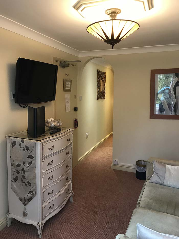 The redecorated lounge area and lighting in The Garden Suite, The Somerville B&B, 2019